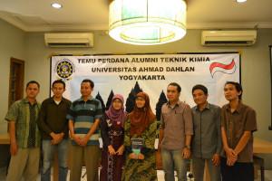 Ibu dosen dan para alumni